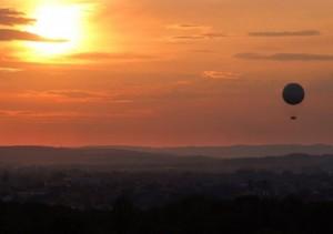 Balon nad Krakowem, zdjęcie pochodzi ze strony www.hiflyer.pl